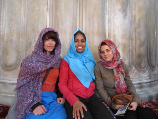 Headscarfs all around