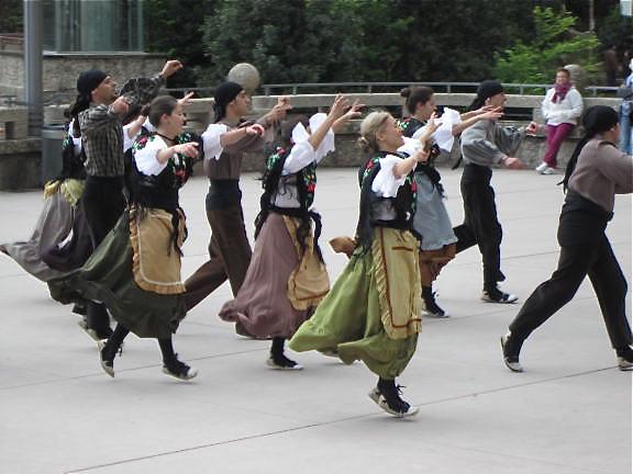 Local period dancers