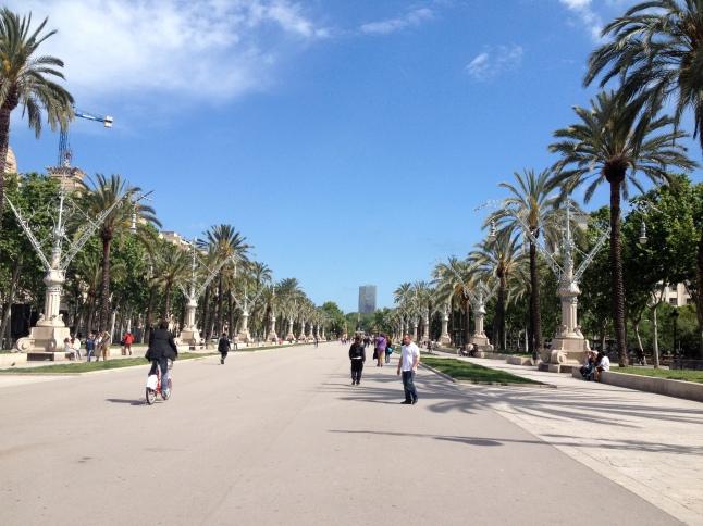 Walk from Arc de Triomf to Parc Ciutadella